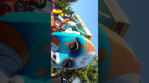 6 Flags Saint Louis Six Flags Saint Louis Mardi Gras Youtube