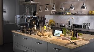 cuisine gris foncé cuisine gris anthracite plan de travail gris fonce bahbe com