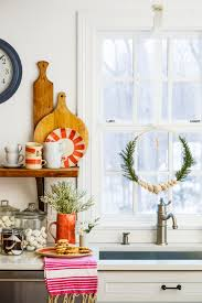 Window Christmas Decorations by 70 Diy Christmas Decorations Easy Christmas Decorating Ideas