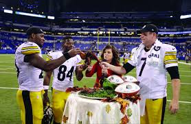 brown scores 3 tds for steelers in 28 7 thanksgiving win