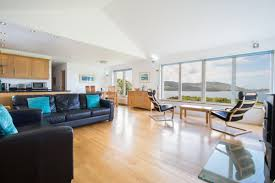 cuan choluim chille is a contemporary holiday home in the isle of mull