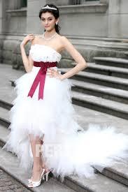 robe mari e courte devant longue derriere robe de mariée bustier courte devant longue derrière accessoirisée