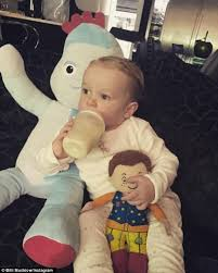 Robin Thicke Spends Quality Time With Son Julian In The Wake Of Divorce Filing Daily Mail Online Former Towie Star Billi Mucklow Shares Sweet Snaps Of Baby Son