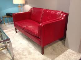 designer canapé 20th century leather two seater sofa by the designer