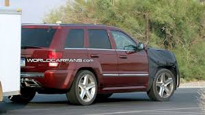 floating jeep jeep grand cherokee srt8 facelift spy photos