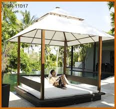 Wooden Outdoor Daybed Furniture by Elegant Outdoor Wooden Daybed And Best 25 Outdoor Daybed Ideas On