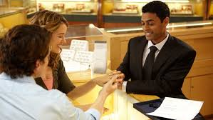 buying engagement ring purchasing a engagement ring buying guide 4cs