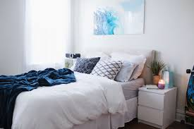 bedroom makeover and tour hangtw