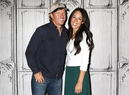 chip and joanna gaines facebook fixer upper u0027 star chip gaines denies rumor of split with joanna