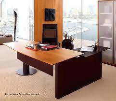 bureau massif moderne bureau verre design with bureau en bois moderne bureau bois massif