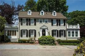 In The Home The Home From Amityville Horror Is On The Market For 850 000