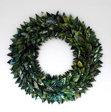 diy 7 festive holiday wreaths made from upcycled materials