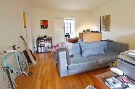 size 400 600 sqft intentionally small
