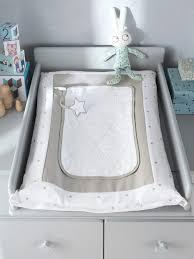 theme etoile chambre bebe matelas à langer bébé et sa housse thème ciel d étoiles blanc