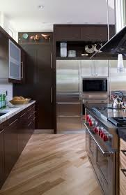 what color kitchen cabinets go with hardwood floors 30 projects with kitchen cabinets home
