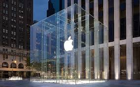 apple s iconic new york city cube store shattered during snowstorm