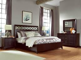 Grey Walls Wood Floor by King Size Modern Minimalist Design Of The King Wood Beds That