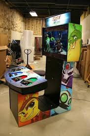 arcade heroes sony makes a ratchet u0026 clank arcade cabinet for
