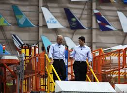 speaker ryan tours everett boeing plant speaks to about 100