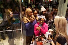 forever 21 black friday black friday 2012 nothing puts off shoppers as us goes crazy for