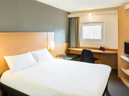 in the bad room with stephen ibis leeds centre well equipped u0026 modern hotel in leeds