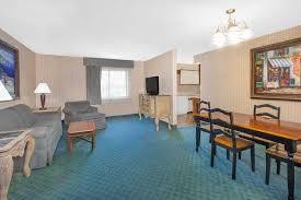 Comfort Inn And Suites Fenton Mi Baymont Inn U0026 Suites Flint Flint Hotels Mi 48504