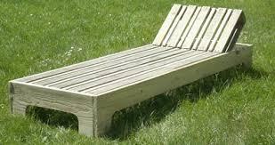 chaise longue en palette esprit cabane idees creatives et ecologiques