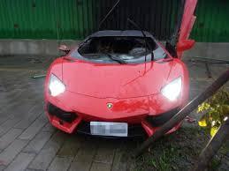 lamborghini aventador crashes 3m lambo aventador crashes and burns in