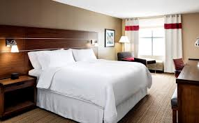 traditional guest room four points by sheraton cincinnati north