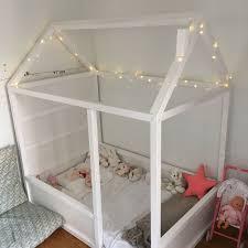 comment faire une cabane dans une chambre maisonnette pour du montessori monde homme decoration fille