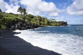 black sand beach hawaii top 10 black sand beaches toptenz net