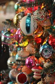 vintage christmas tree decorating ideas artofdomaining com