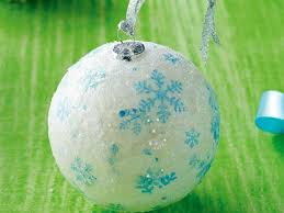 make your own hanging tree ornaments in 5 easy steps