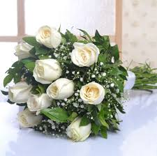 white roses for sale classic bunch of ten white roses bunch faridabad online gift store