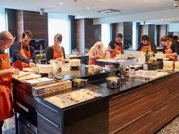 cours de cuisine paul bocuse le coffret gourmets de l hôtel le royal lyon à l ecole de