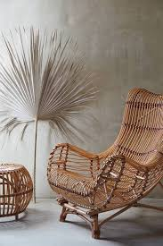 what is the difference between wicker and rattan furniture