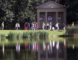 princess diana gravesite princess diana s althorp estate grave to get facelift after it