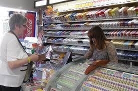 hausse du prix du tabac les buralistes toulousains inquiets à