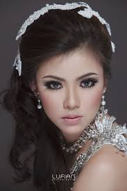 Make Up Artist Bandung berti bridal make up artist make up course