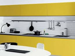 Butter Yellow Kitchen Cabinets Gallery Kitchen Design Pictures And Photos Kitchen Design Ideas