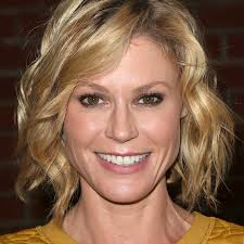 modern family hairstyles modern family julie bowen interview modern family popsugar and