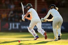 s ashes holds the advantage after day two ellyse