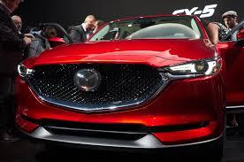 mazda car buy auto showdown 2017 honda cr v vs 2017 mazda cx 5 motor trend