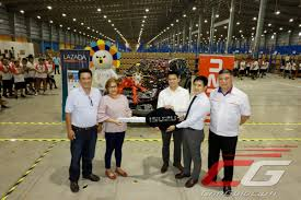 lazada awards isuzu mu x to contest winner philippine car news