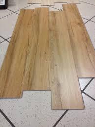 pavimenti laminati pvc pavimenti wpc prezzi avec pavimenti in pvc novit 5 millimetri
