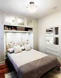 Small Bedroom Full Size Bed by Bedroom Space Saving Solutions For Small Bedrooms