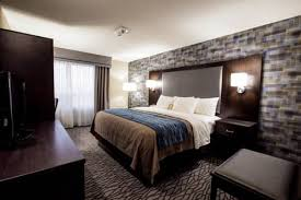 Comfort Inn The Pointe Comfort Inn Montreal Aeroport Pointe Claire Qc Canada Overview