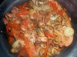 cuisiner des tendrons de veau recette de tendrons de veau confit en cocotte