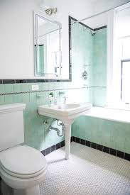 Old Bathroom Decorating Ideas Colors Best 25 Old Bathrooms Ideas On Pinterest Subway Owner