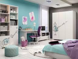 jugendzimmer türkis türkis wandfarbe weiße möbel und lila akzente wohnen kinder